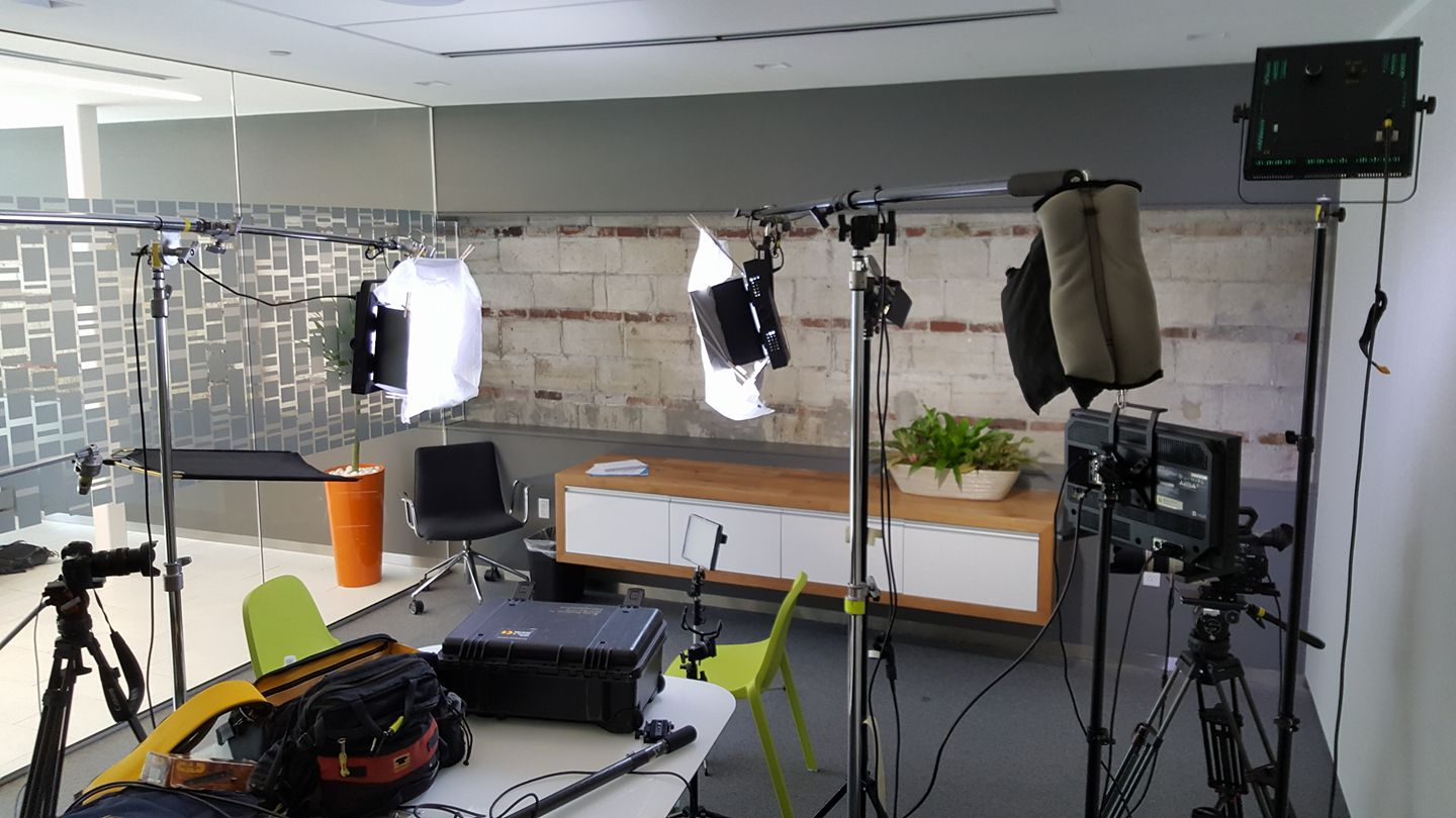 From March 2017, how I used to have to set up lights for a two-camera interview, using heavier fluorescent lights