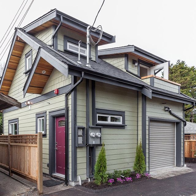 TSL Laneway Homes makes finely crafted custom-built Laneway houses, meticulously built nail by nail, frame by frame, not prefabricated because we like to believe it's all in the details. #liveinthelane #lanewayhouse #vancouver