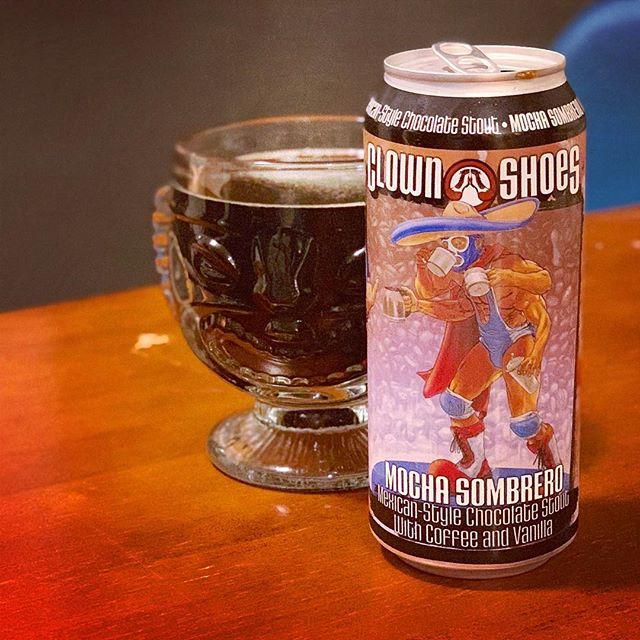 Mucho chocolate, Cervesa sipping hombre, Dark beers warm my soul. #clownshoesbeer #mochasombrero #massachusettsbeer #craftbeer #stout #totalwine #haiku