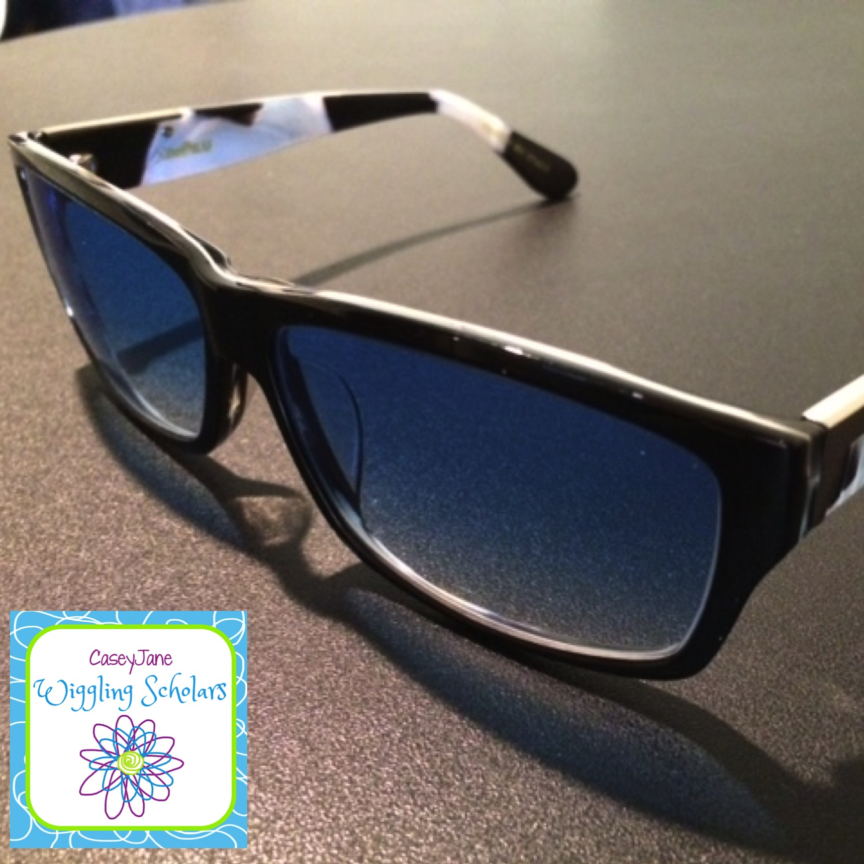 Picture of sunglasses from GlassesShop.com