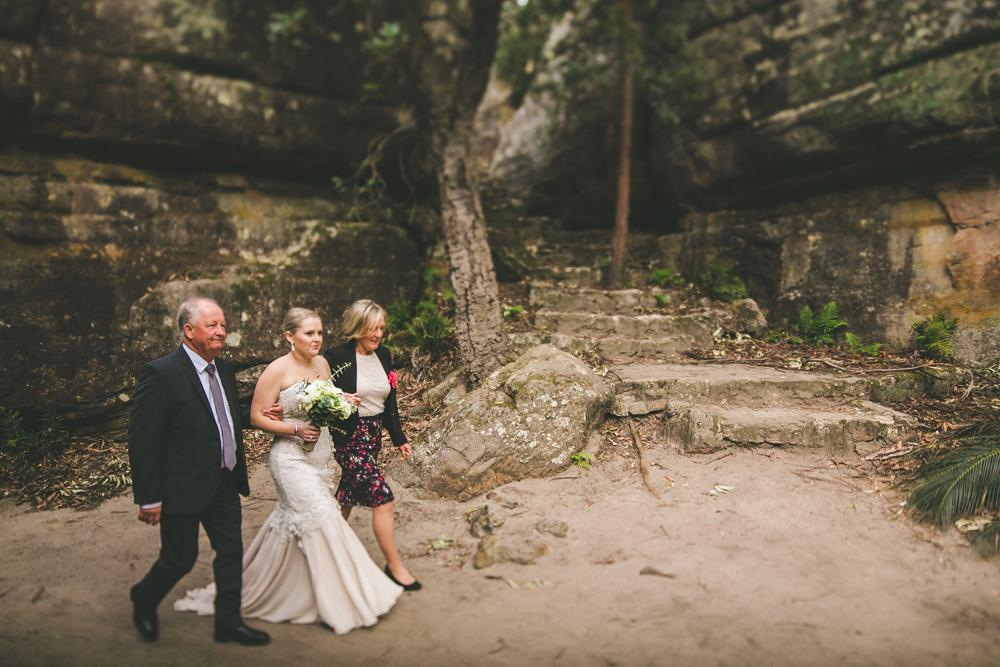 kangaroo-valley-bush-retreat-wedding_020.jpg
