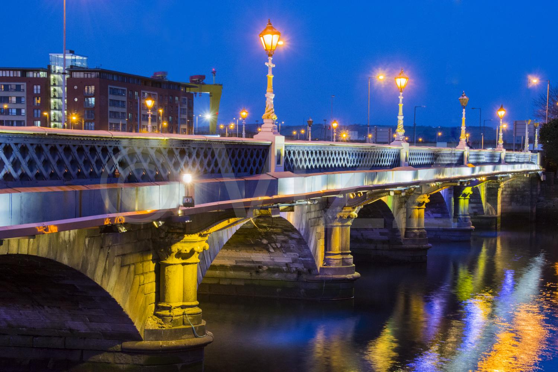 Queen's Bridge