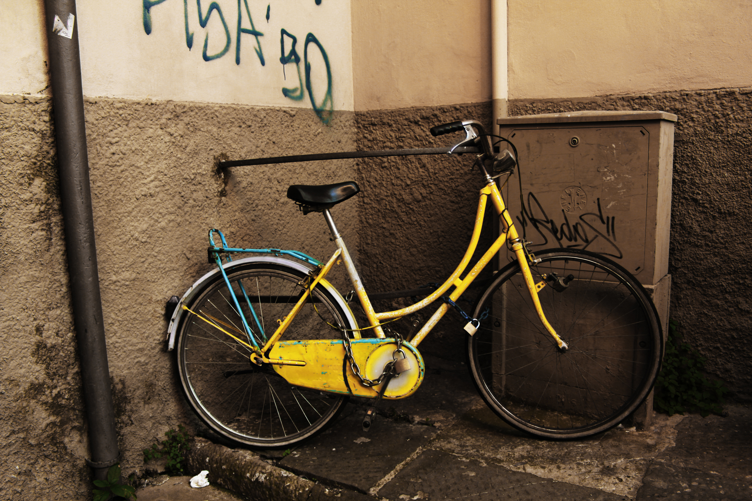 Yellow_bike.jpg