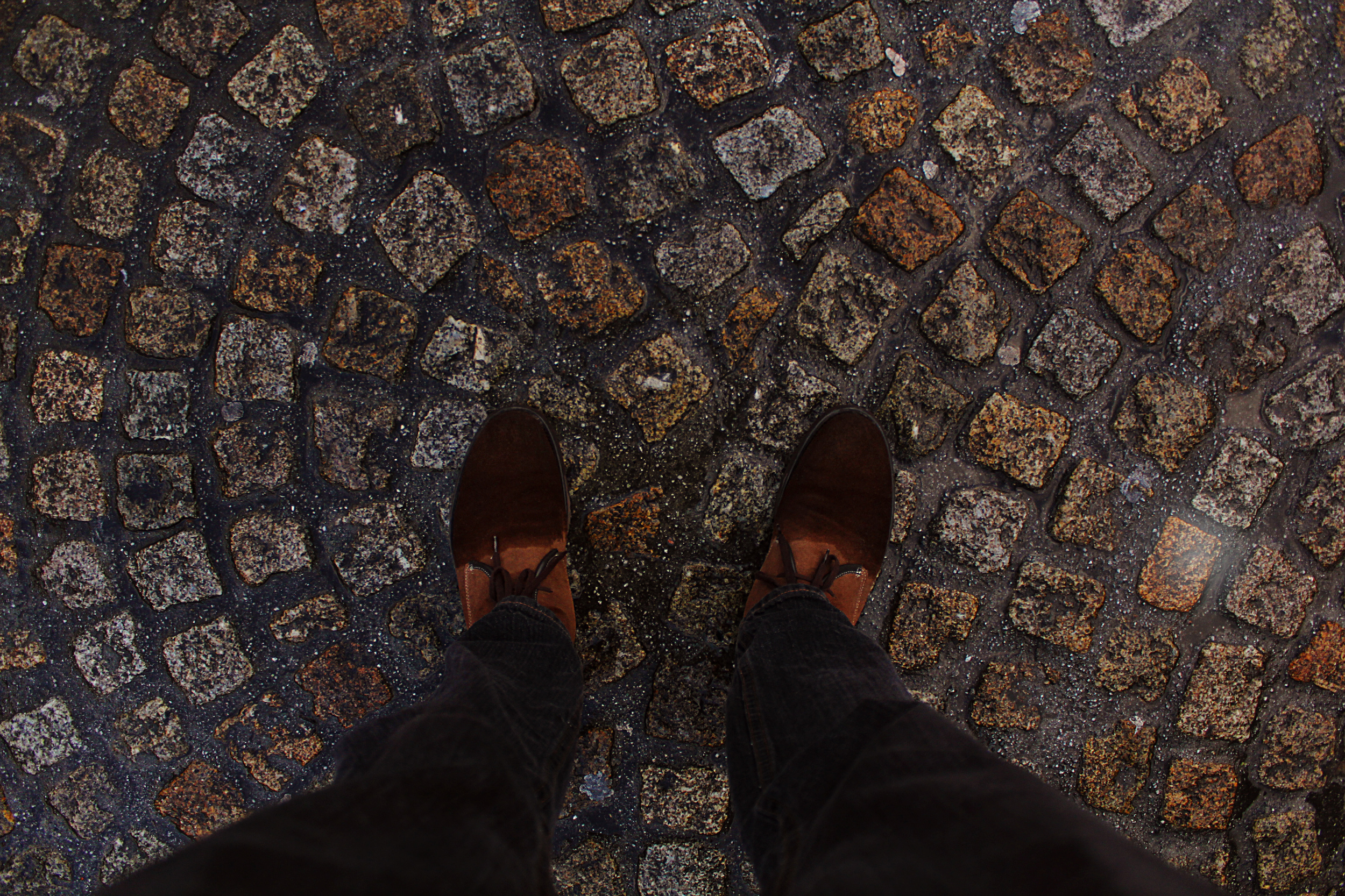 Feet_cobblestone.jpg