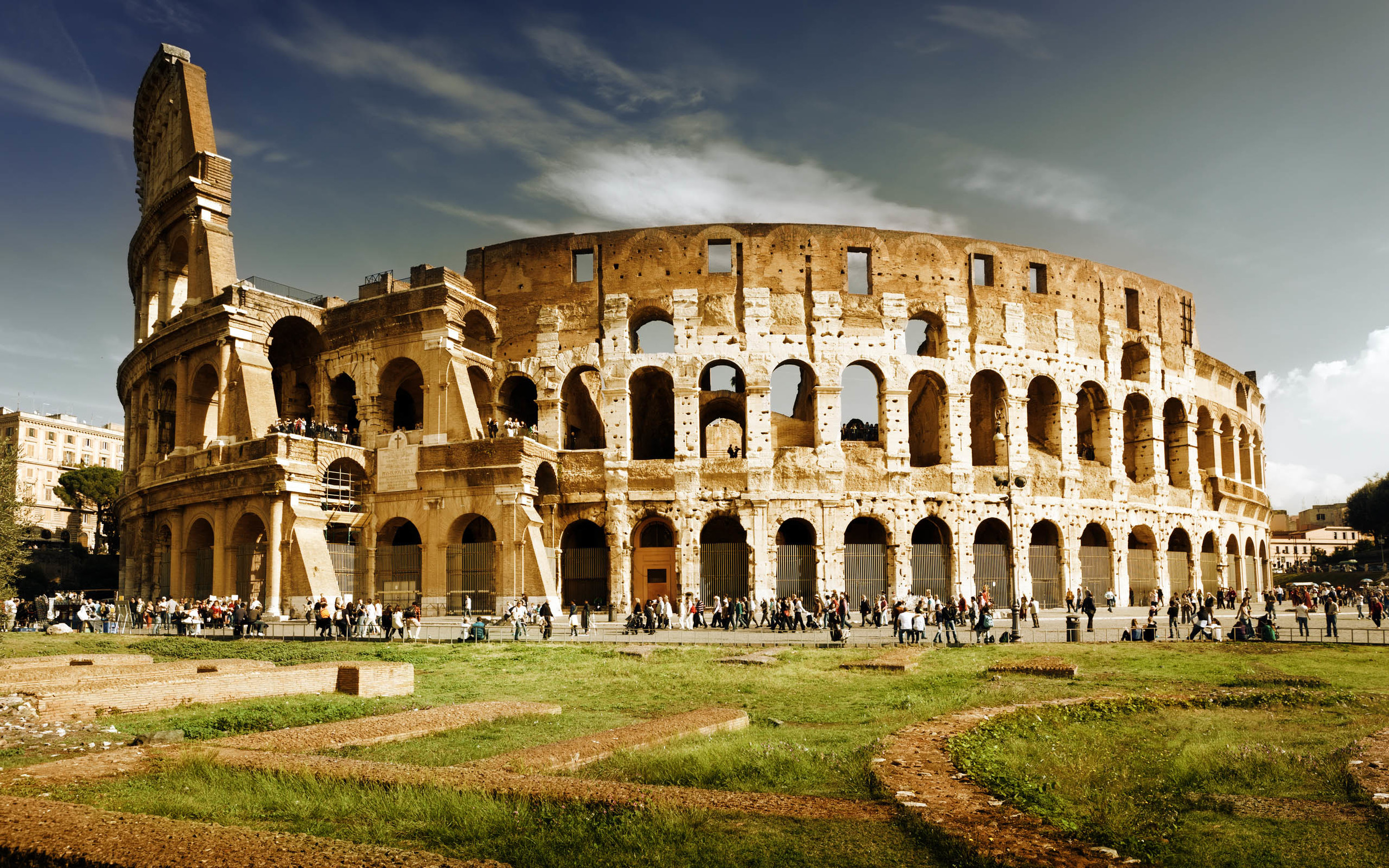 No, this one isn't mine, but you can be assured I will have zillions of my own pics of the Colosseum in due time.