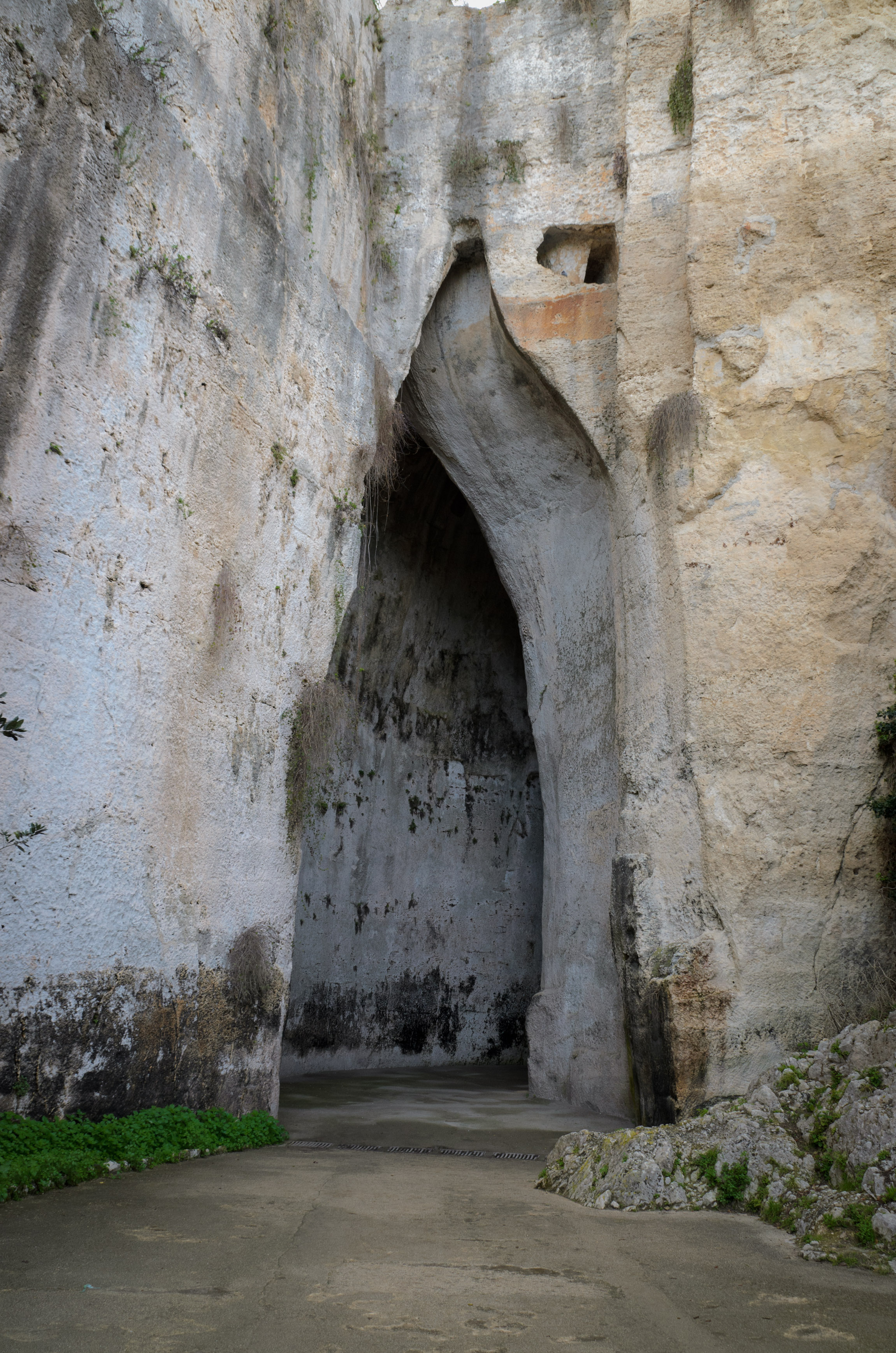 """The """"Ear of Dionysius"""", a naturally-occurring cave at the quarries of Syracuse"""