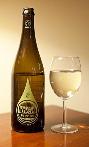 Newtown Pippin Hard Cider by Original Sin