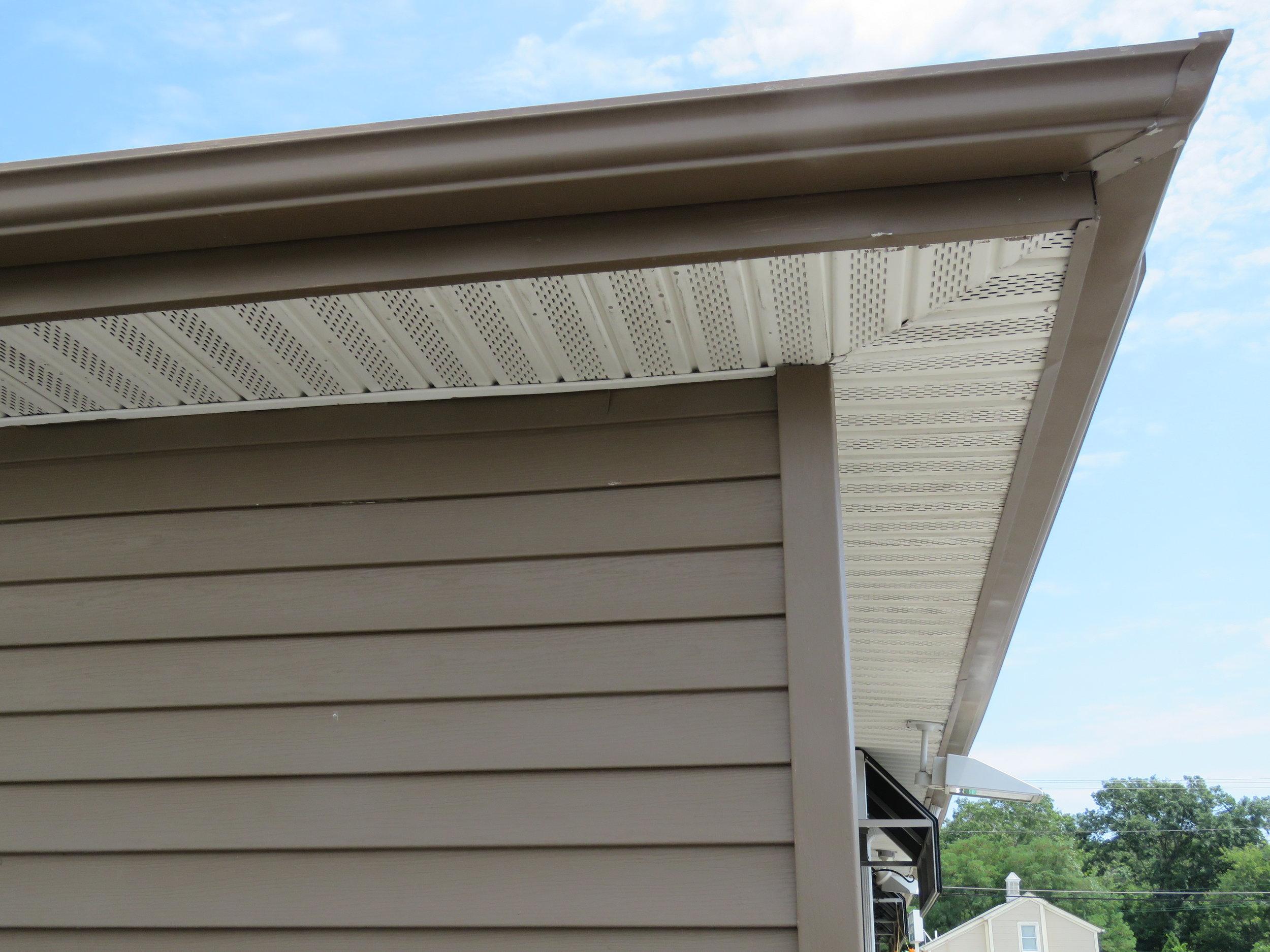 Roof Online - Soffit - Image 2.JPG