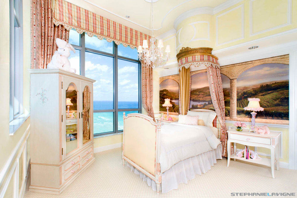 Steph-LaVigne-Miami-Architectural-Photography-High-end-Girls-Bedroom.jpg