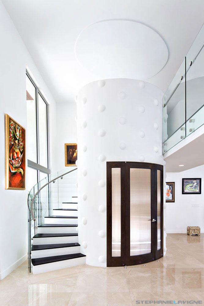 Steph-LaVigne-Modern-Miami-Mansion-Entryway-RHOM.jpg