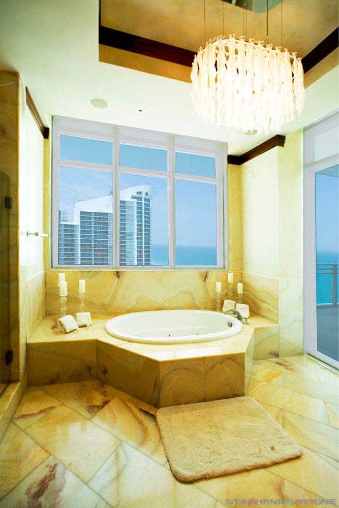 Steph-LaVigne-South-Florida-Architectural-Interior-Penthouse-Bathroom.jpg