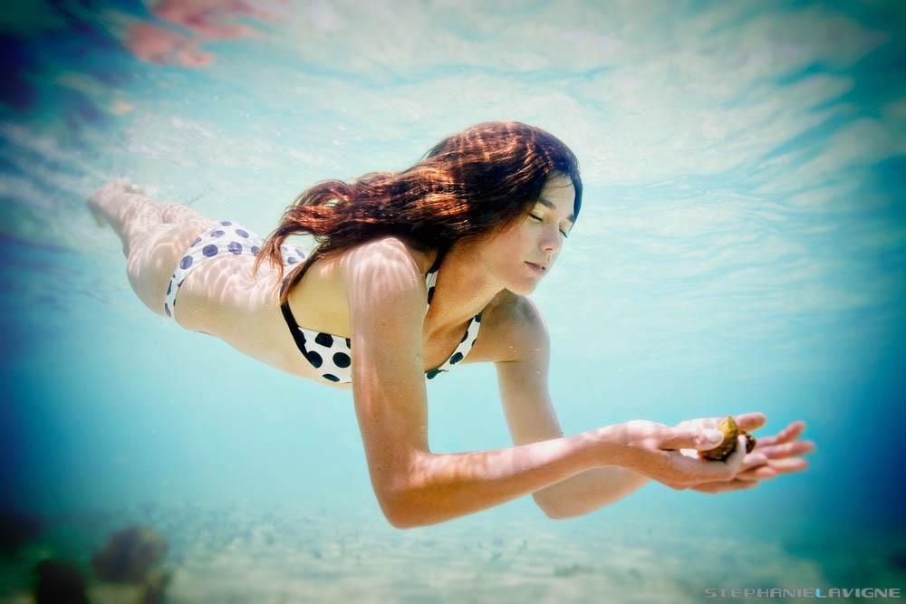 StephLaVigne-Exuma-Diving-For-Shells-7059w.jpg