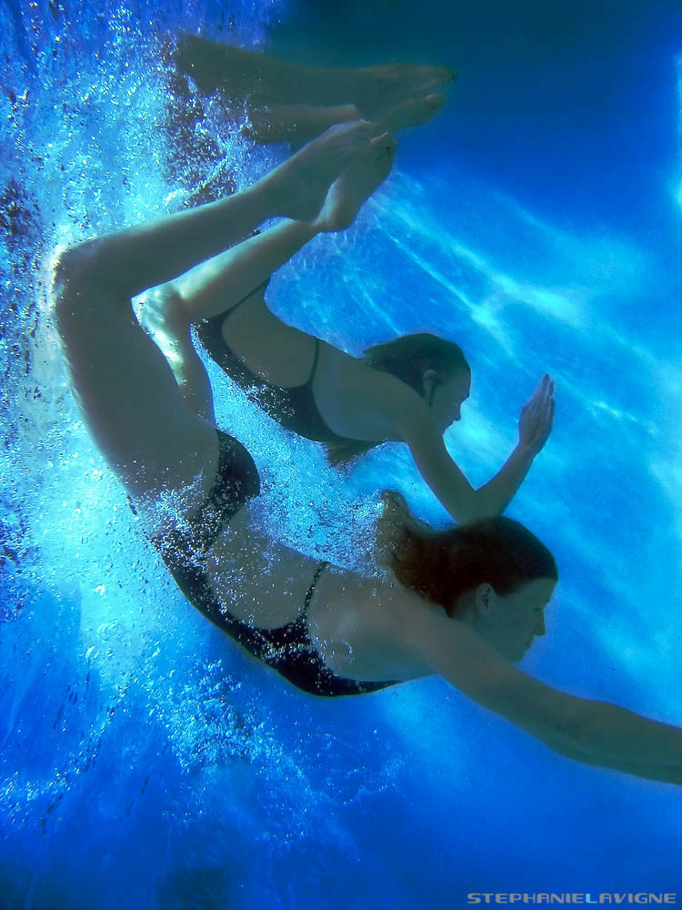 StephLaVigne-Underwater-Girls-Diving-Into-The-Blue-0486w.jpg