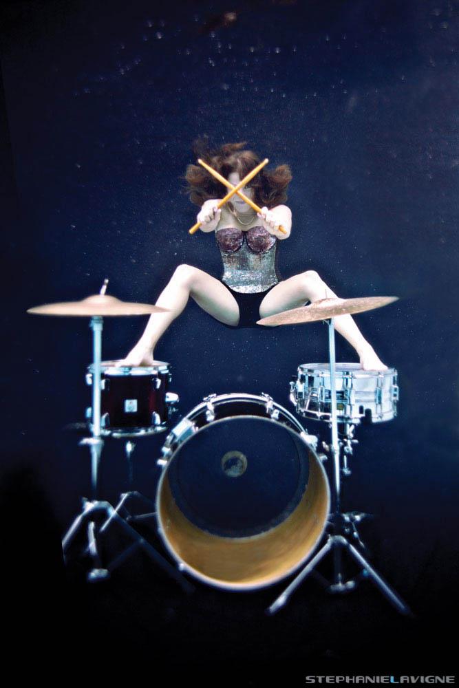 StephLaVigneUW-TomTom-Drumset-Sunk-Underwater-0135w.jpg