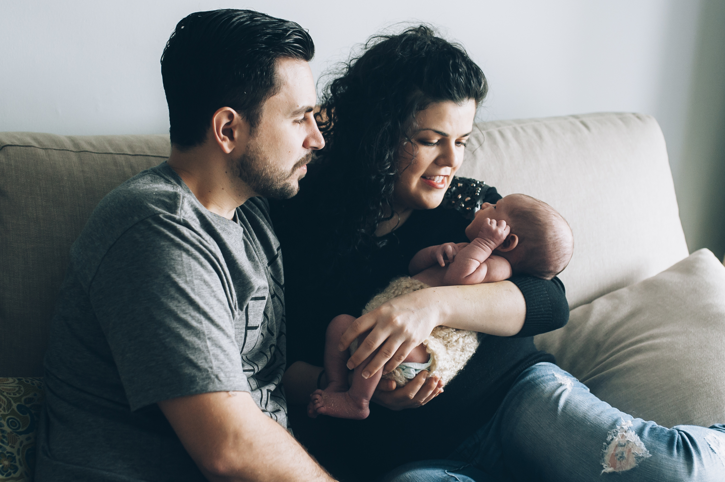 lifestyle photographer, lifestyle photography, Burlington, Newborn, lifestyle