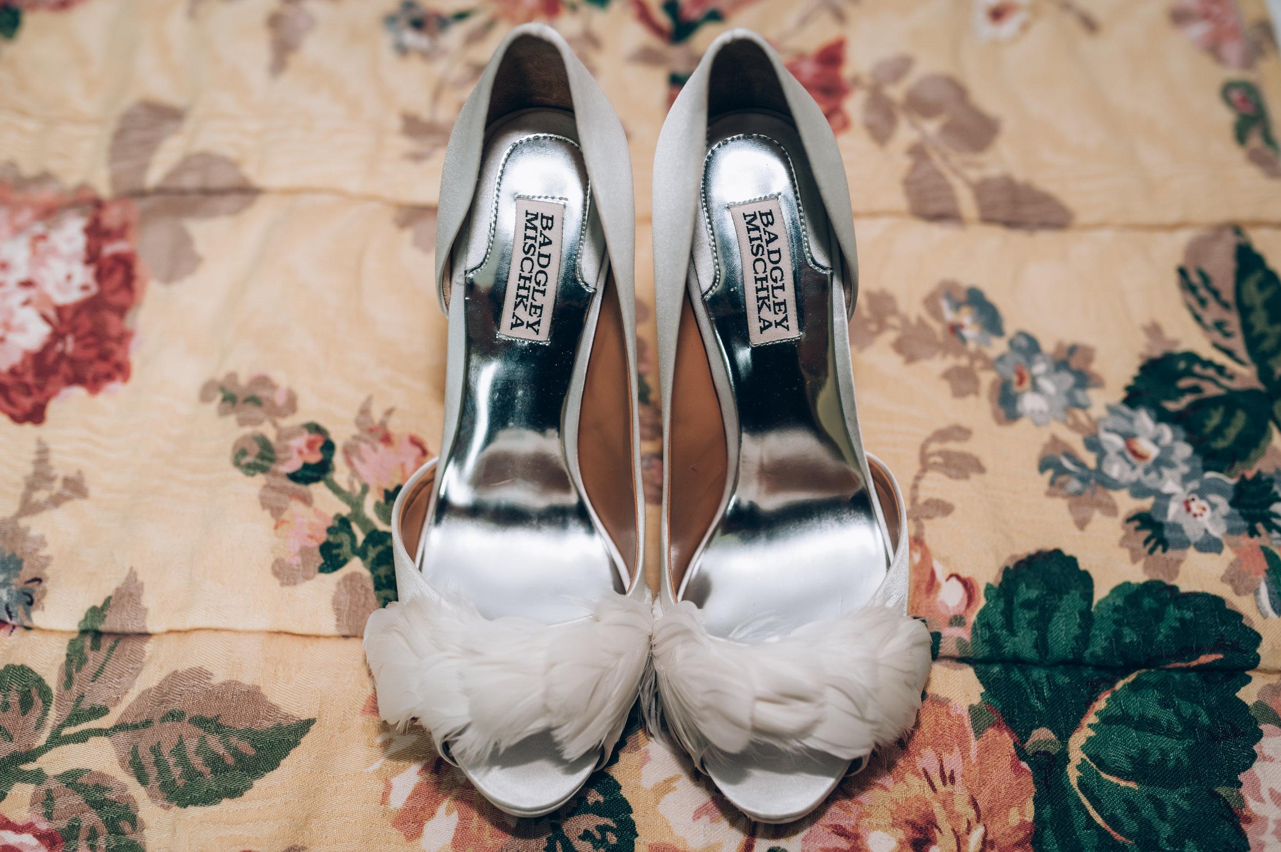wedding, burlington wedding photographer,love, lifestyle photography,toronto wedding photographer,wedding shoes,details