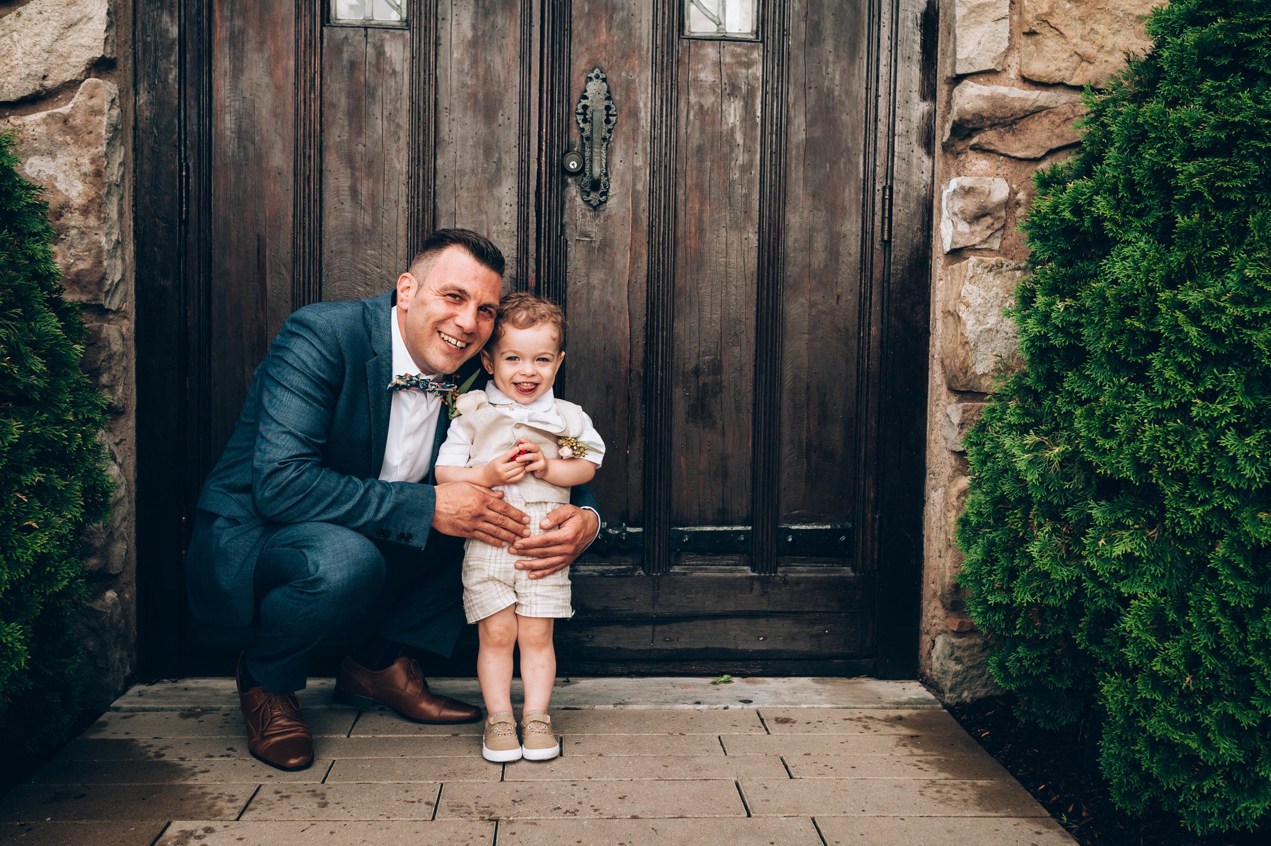 wedding, burlington wedding photographer,love, lifestyle photography,toronto wedding photographer,groom, vineland estetes winery,ring boy