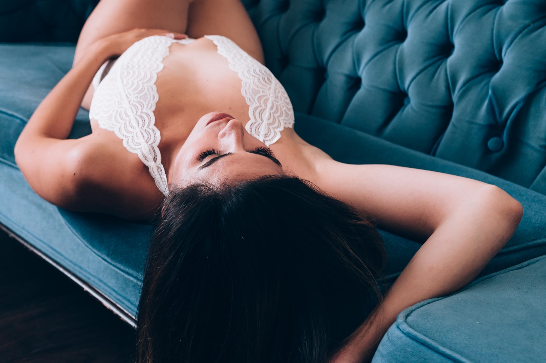 Burlington photographer, boudoir, boudoir photographer, lifestyle boudoir, burlington