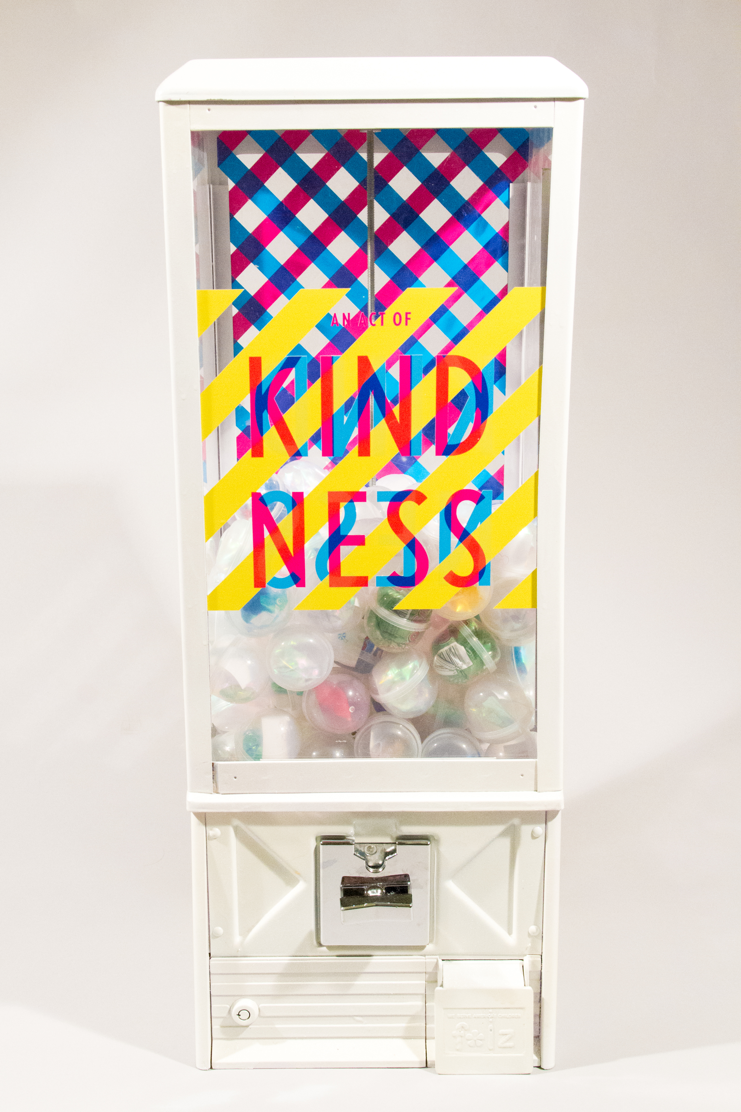 An Act of Kindness  Re-invented gumball machine to give acts of kindness around the city.  _ 2013   Illustration, Product