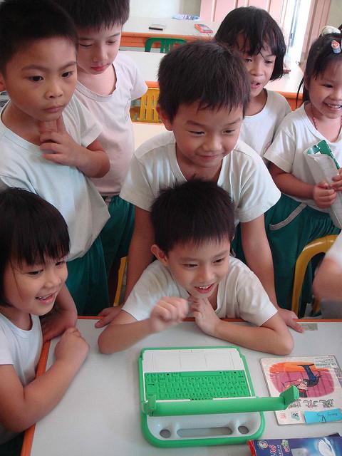 Foto de  One Laptop Per Child  con licencia  CC BY 2.0
