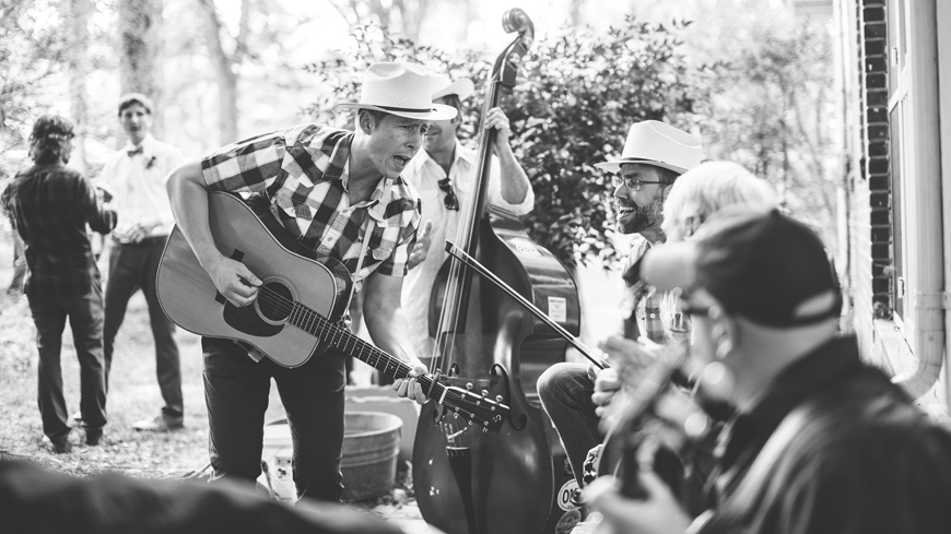 009-bluegrass-wedding-band-music-black-and-white