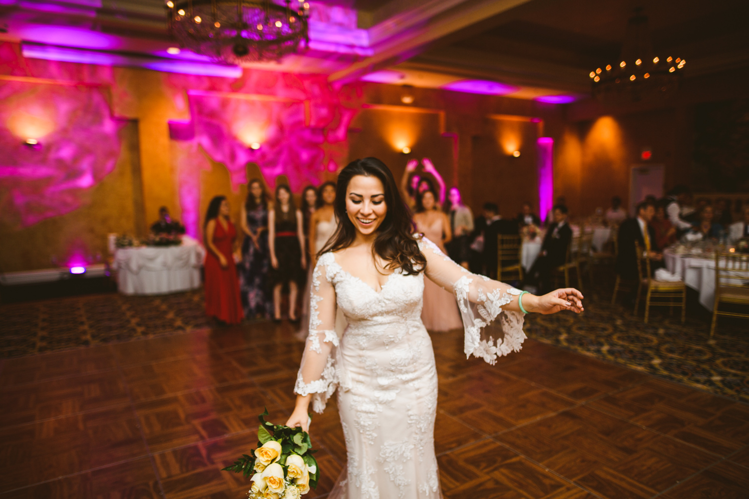 019 bride throws the wedding bouquet.jpg