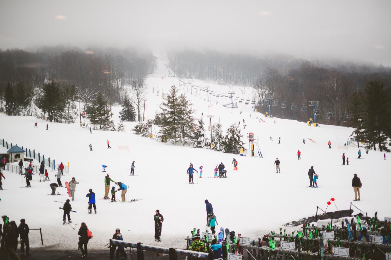 002 - people skiing and snowboarding at ski liberty pennsylvania.jpg