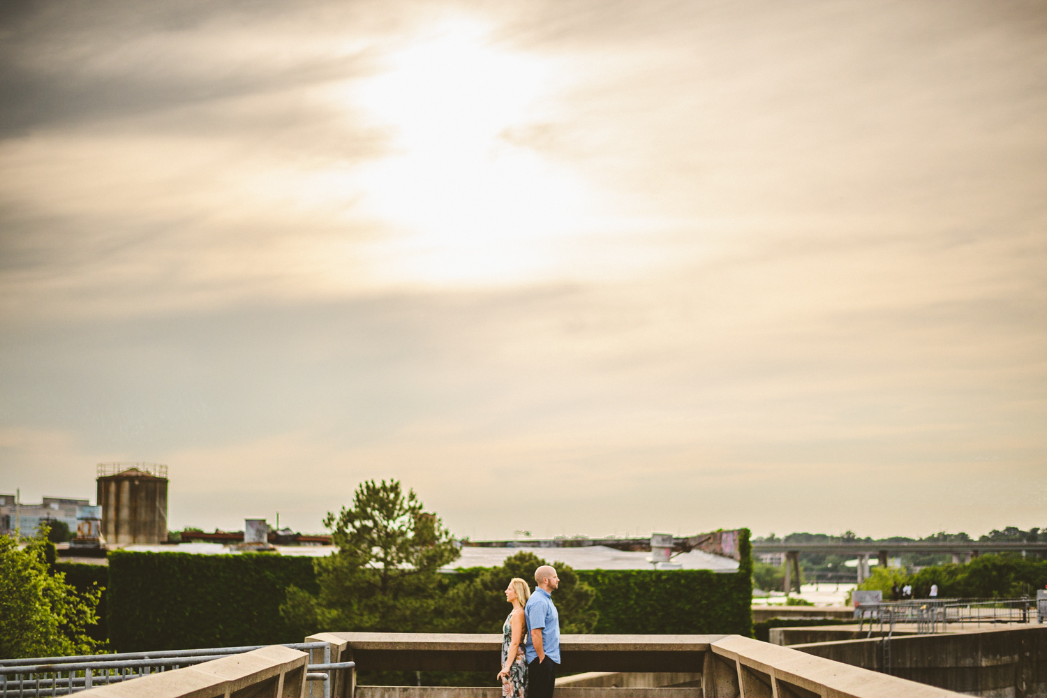 005 - distant photo of couple at sunset in richmond.jpg
