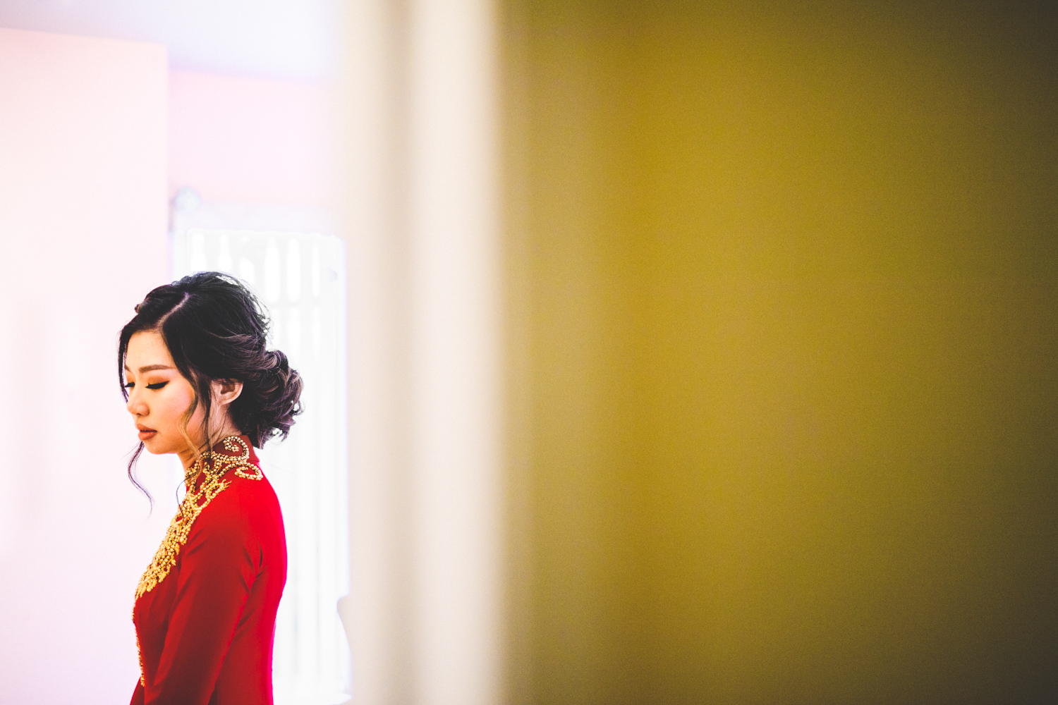 001 - chinese bride getting ready in red wedding gown - baltimore and washington dc wedding photographer nathan mitchell.jpg