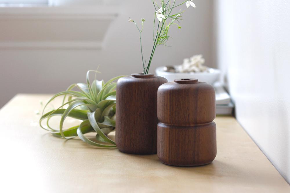 Walnut-Vases-Set_3.jpg