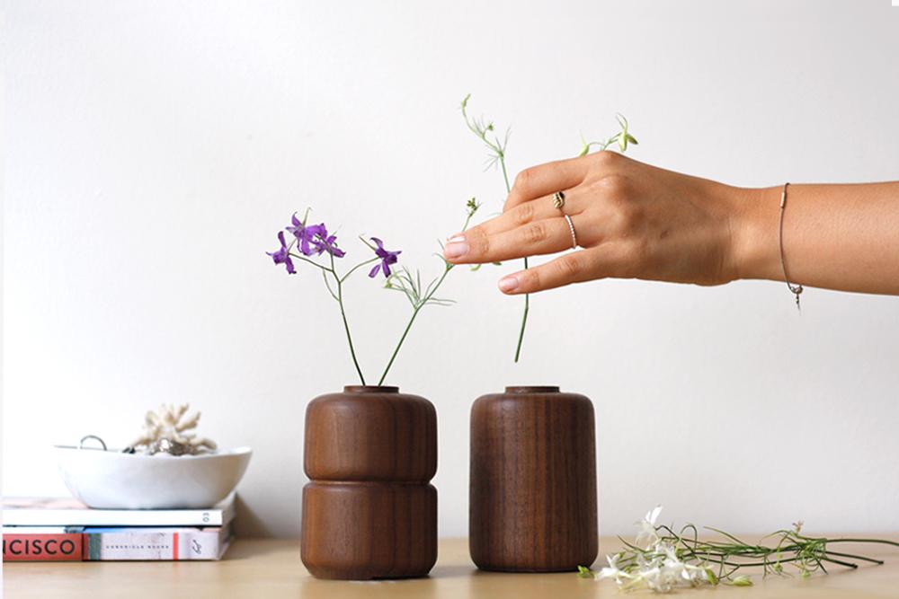 Walnut-Vases-Set_5.jpg