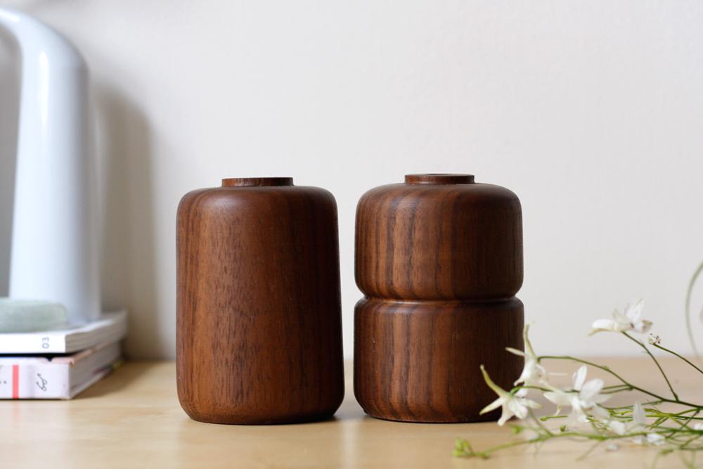 Walnut-Vases-Set_2.jpg