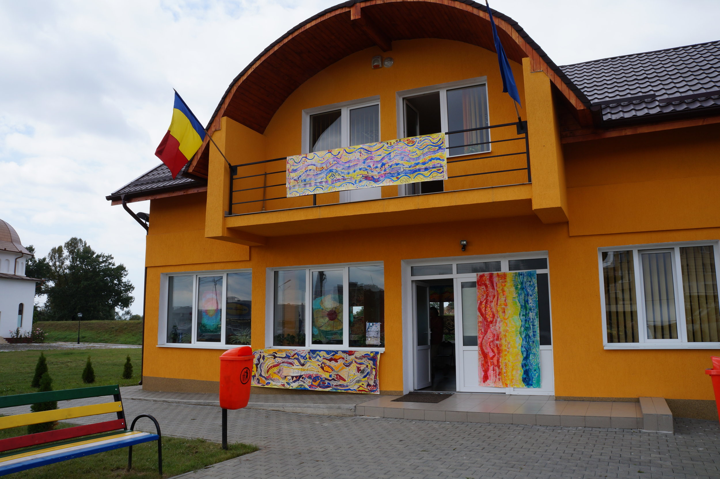 The Exhibition was inside and outside the new Tarnaveni Community Centre.