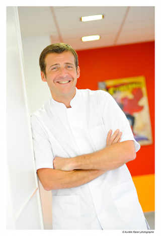 Docteur Julien Godenèche,Orthodontiste à Lyon et cofondateur de la SFORA, société française d'orthodontie rapide et de l'adulte.