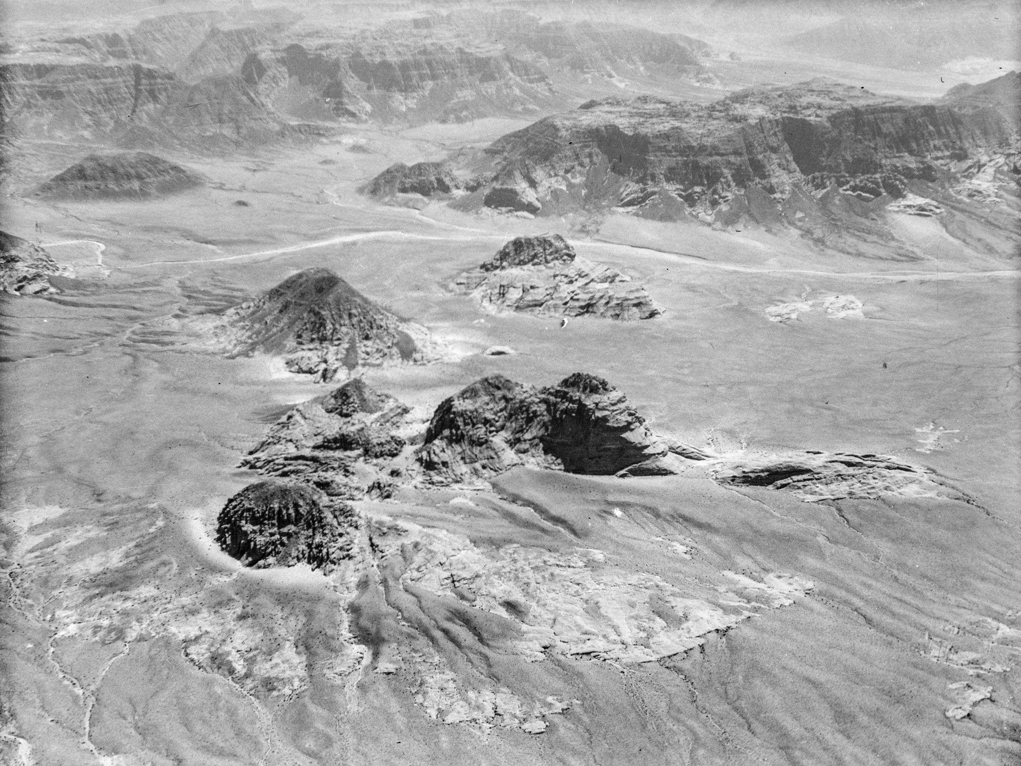 Flyfoto av Wadi Rum i sørlege Transjordan