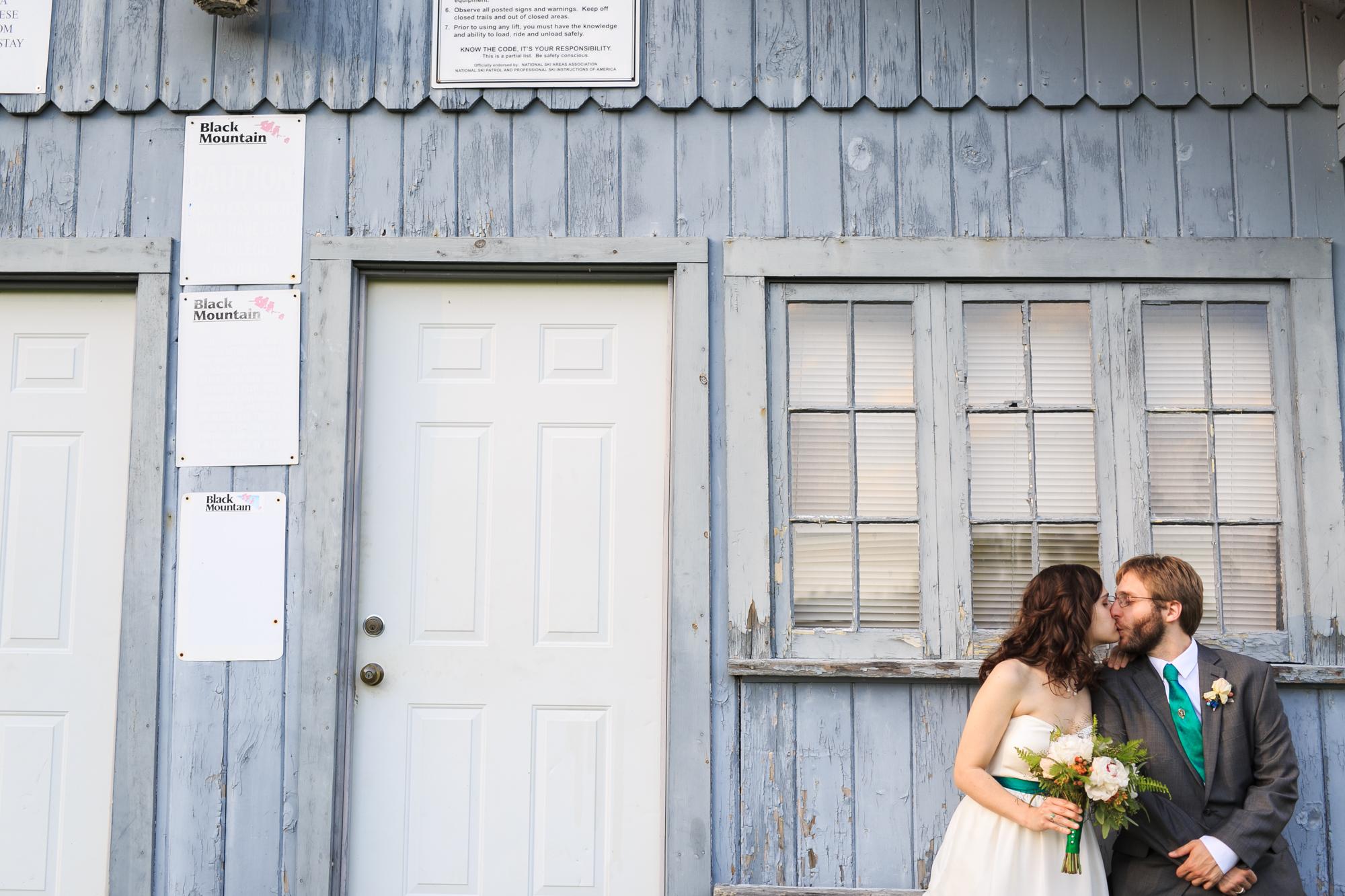 The-Shovel-Handle-Inn-Barn-Wedding-New-Hampshire-New-England-Wedding-Photography-17.jpg