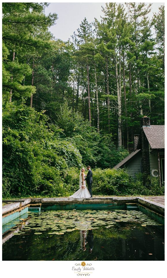 Stacie and Dan Onteora Mountain House venue wedding catskills views rustic most popular favorite Emily Tebbetts Wedding Photography New england new york mid atlantic love engagement couple elopement small intimate wedding reflecting pond emotion vogue trees pnw