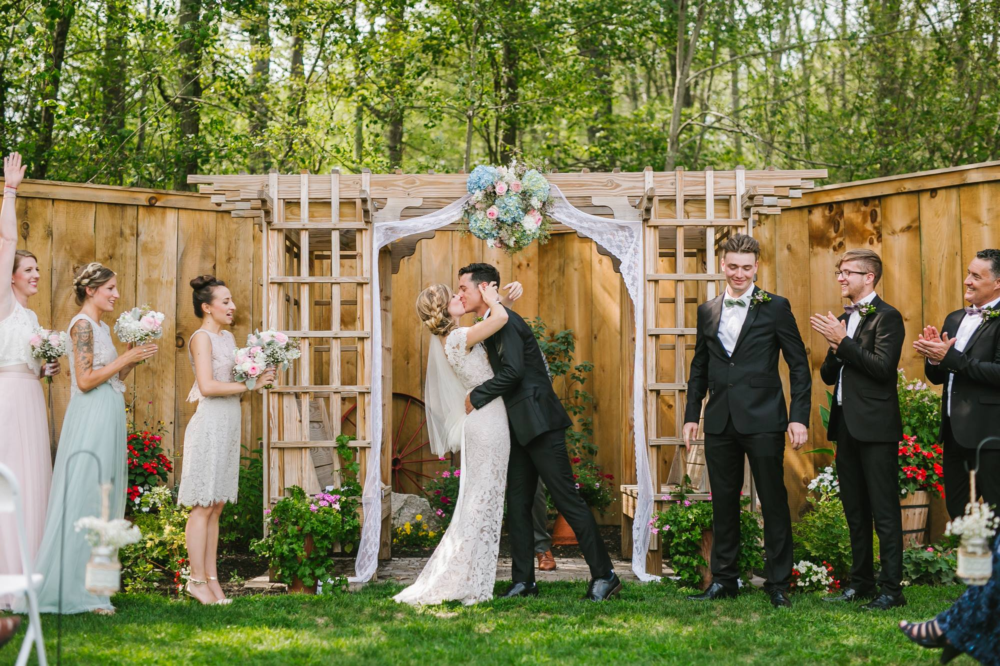 Emily Tebbetts Photography Wedding || Blissful Meadows, Uxbridge, MA 1.jpg