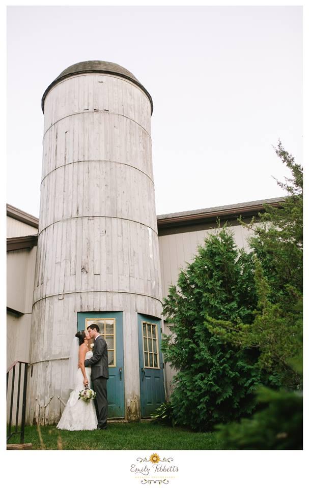 Emily Tebbetts Photography Wedding    Farmington Gardens, Farmington, CT 5.jpg