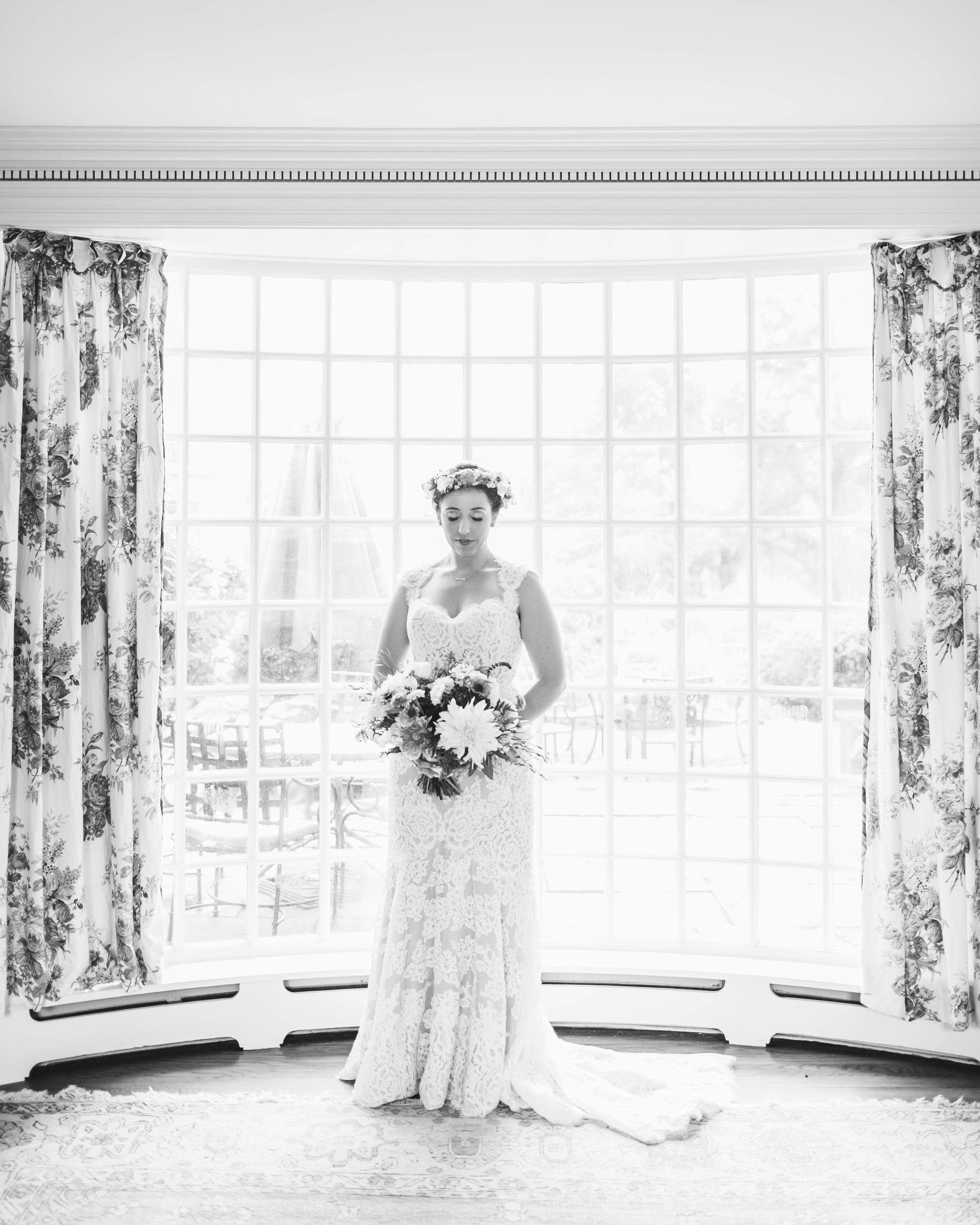 Mount Hope Farm Bristol Rhode Island RI New England Coastal Flower Crown Wedding - Emily Tebbetts Photography-3.jpg