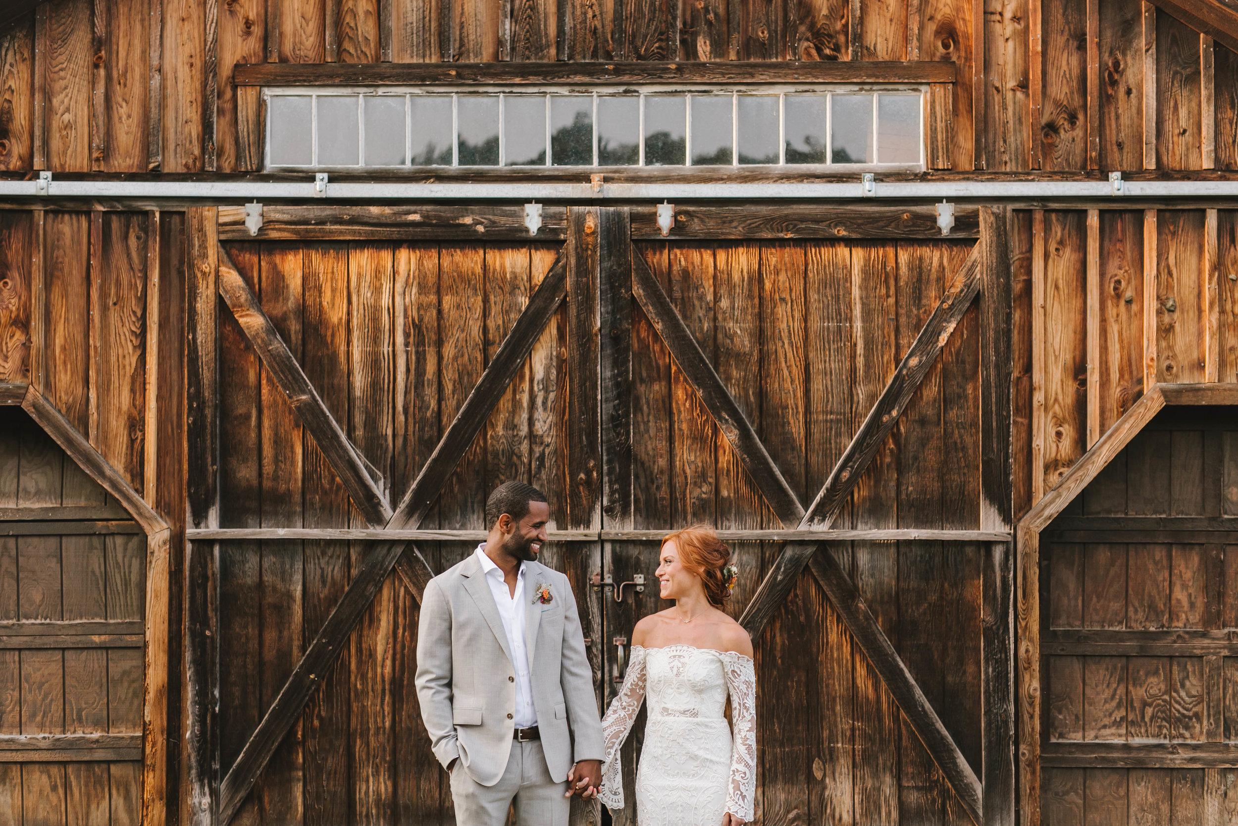 Vermont back yard farm wedding West winds farm vingtage casual unconventional - Emily Tebbetts Photography-9.jpg