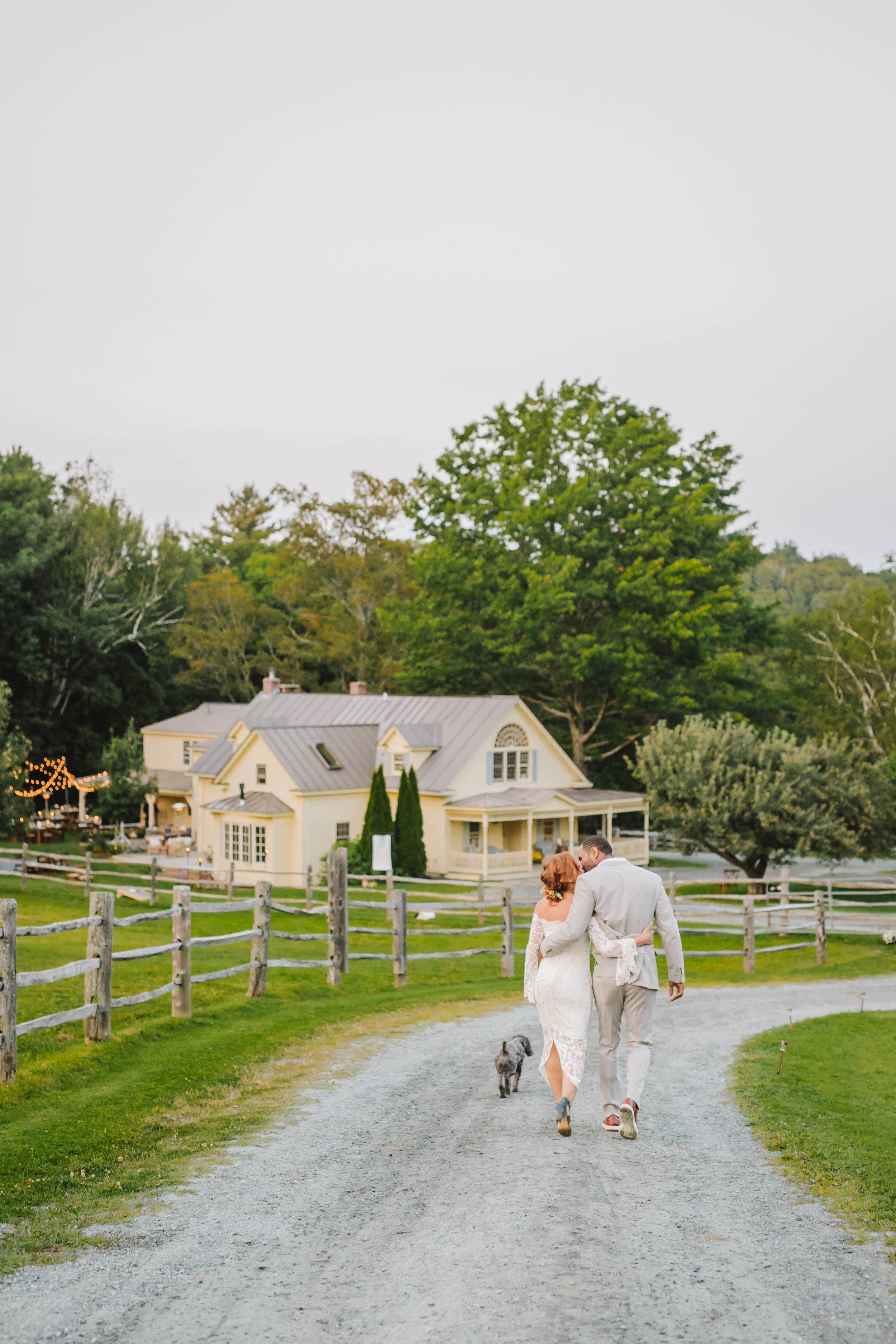 Vermont back yard farm wedding West winds farm vingtage casual unconventional - Emily Tebbetts Photography-32.jpg