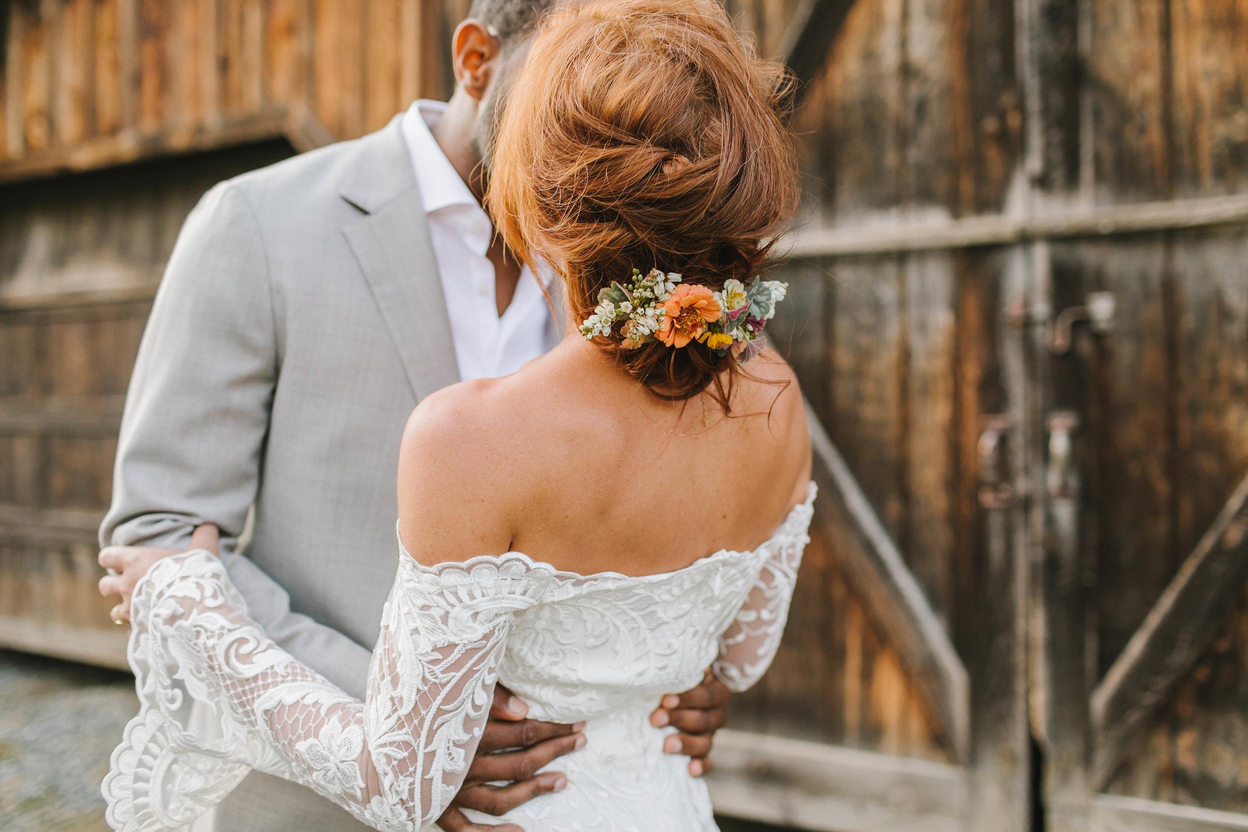 Vermont back yard farm wedding West winds farm vingtage casual unconventional - Emily Tebbetts Photography-10.jpg