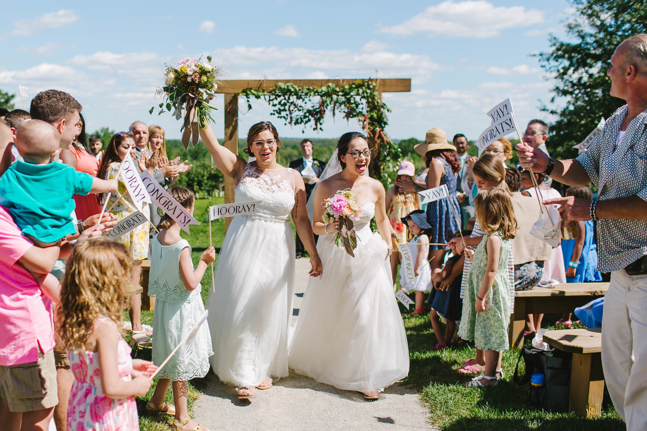 Hyland Orchard and Brewery Wedding with dogs - Emily Tebbetts Photography-12.jpg