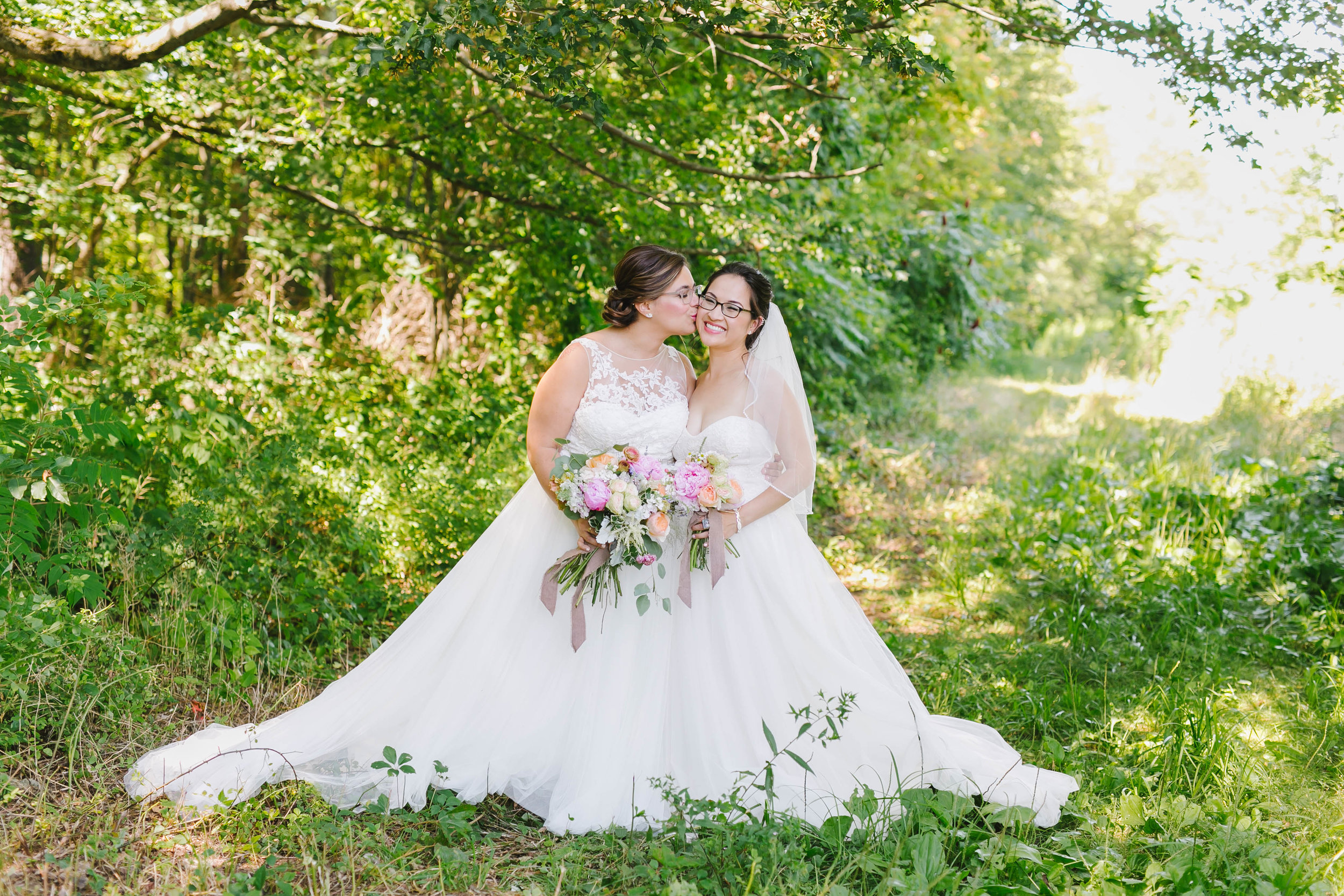 Hyland Orchard and Brewery Wedding with dogs - Emily Tebbetts Photography-8.jpg