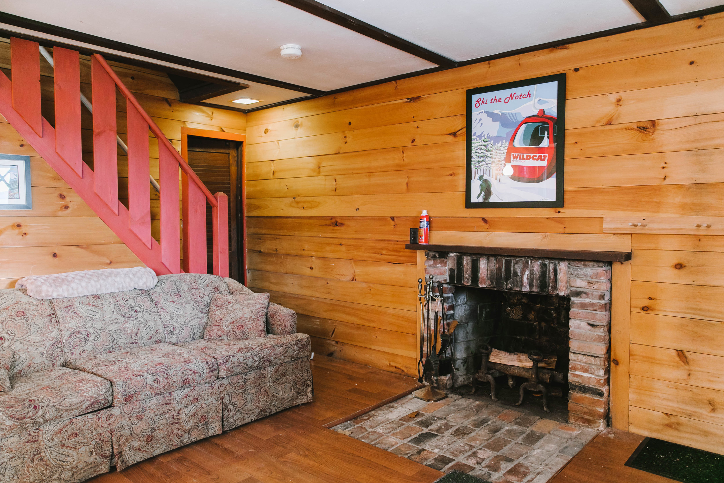 North Conway White Mountains Mt Washington Valley New Hampshire NH vacation home rental by owner airbnb vienna lodge cabin chalet-42.jpg