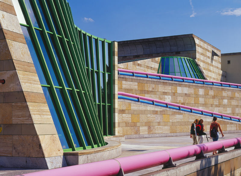 Stuttgart's museums are also architectural germs!