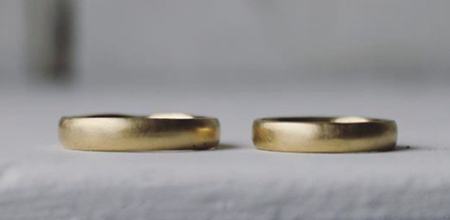 18 ct yellow gold band .png
