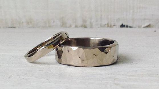 18 ct whitegold-wedding-rings.png