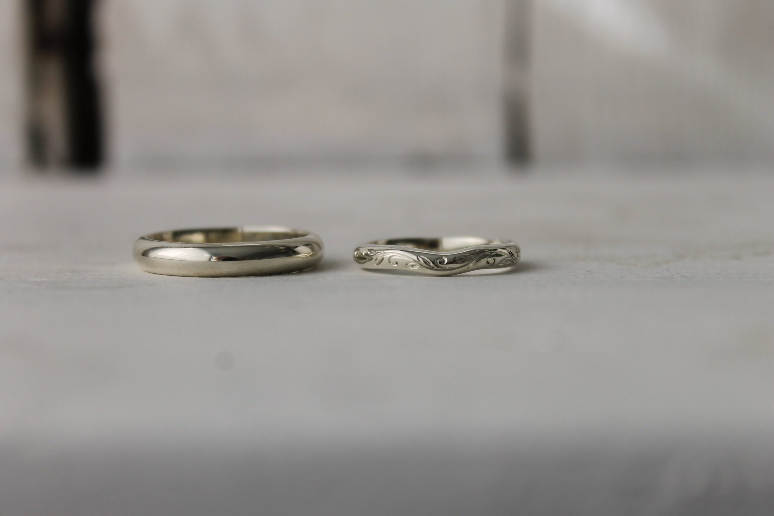 Shaped-white-gold-band-thequarterworkshop.JPG